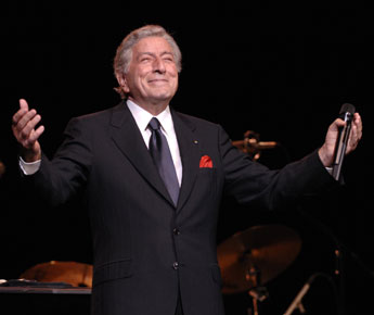 Tony Bennett plays final concert of 2014 Tanglewood season.