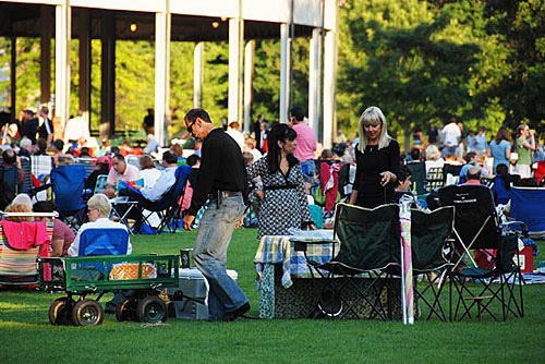 Tanglewood picnic on the lawn in Lenox, MA