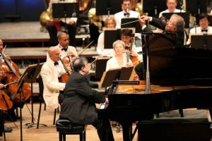 James Levine conducts the Boston Symphony Orchestra and Yefim Bronfman; photo: Hilary Scott.