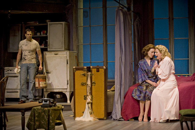 a characterization of blanche dubois from tennesse williams play a streetcar named desire Blanche dubious, appropriately dressed in white, is first introduced as a symbol  of  a character analysis of blanche dubois in a streetcar named desire by.