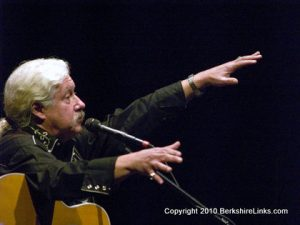 Arlo Guthrie in concert at Pittsfield's Colonial Theatre.