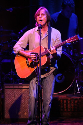 Jackson Browne performs at Tanglewood on July 4 (Hilary Scott)