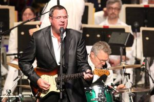 Vince Gill performs at Tanglewood with the Boston Pops and conductor Keith Lockhart.