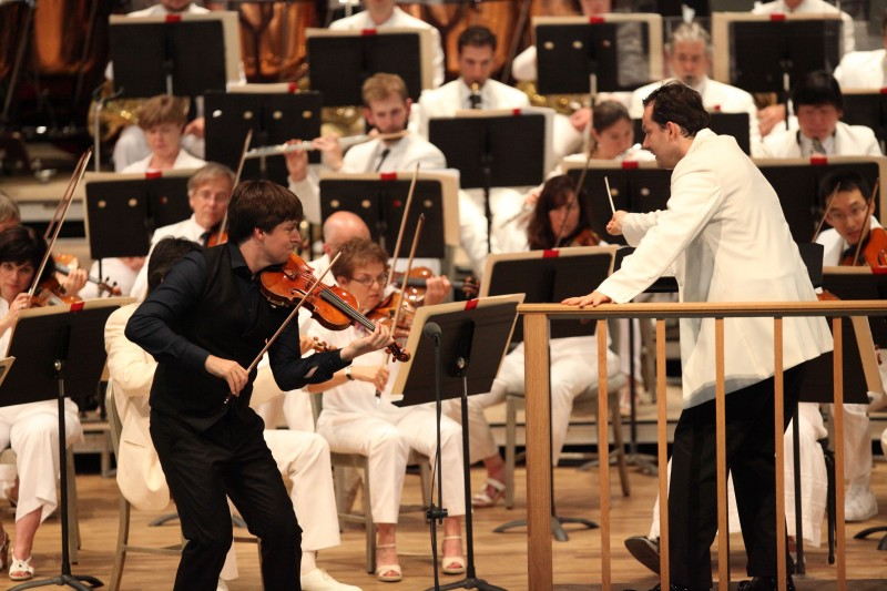 Tanglewood July 20,2014 Andris Nelsons led the BSO along with violin soloist Joshua Bell