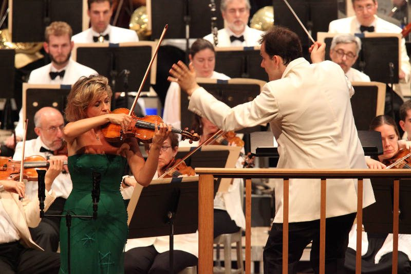 Anne-Sophie Mutter and Andris Nelsons perform Dvorak's Violin Concerto with the BSO (Hilary Scott)