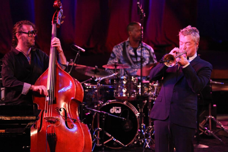 Chris Botti and band perform in Ozawa Hall, Tanglewood, Aug. 5, 2012